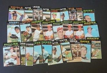 27 1971 Topps Baseball Cards