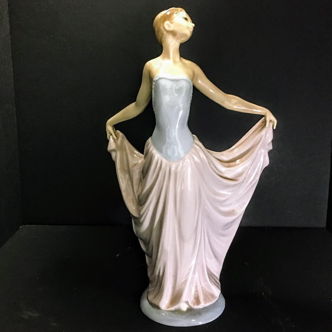 Lladro Figurine #5050 - The Dancer