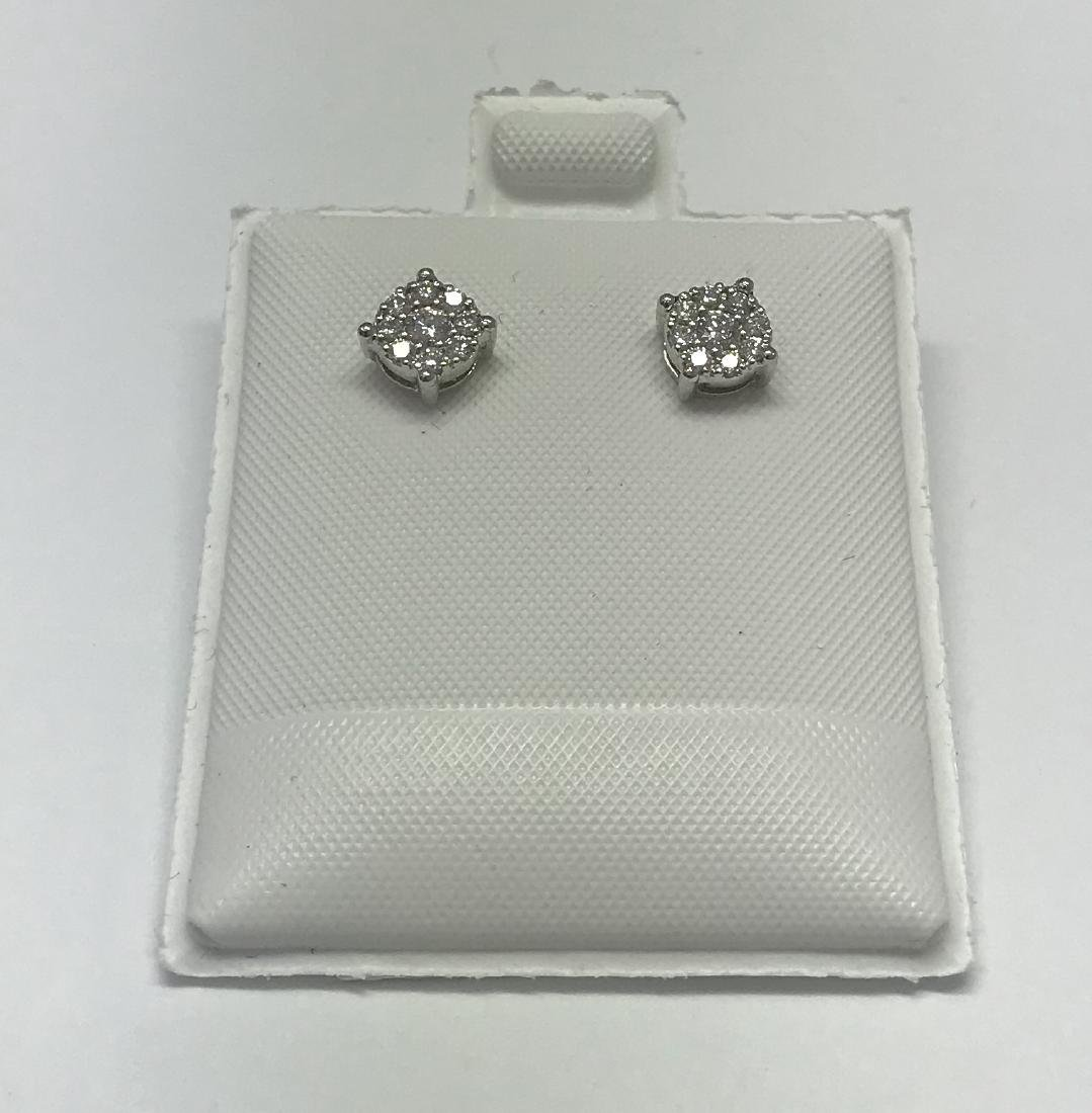 Certified Pair of White gold earring with diamonds