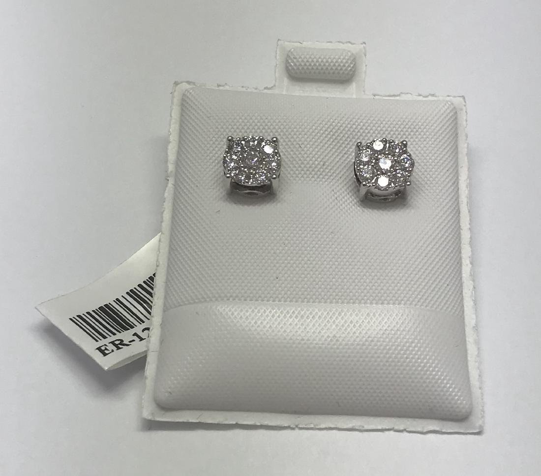 Certified white gold earring with diamonds
