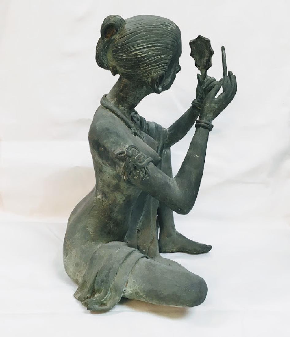 Vitange Large bronze Chinese female statue with mirror - 4