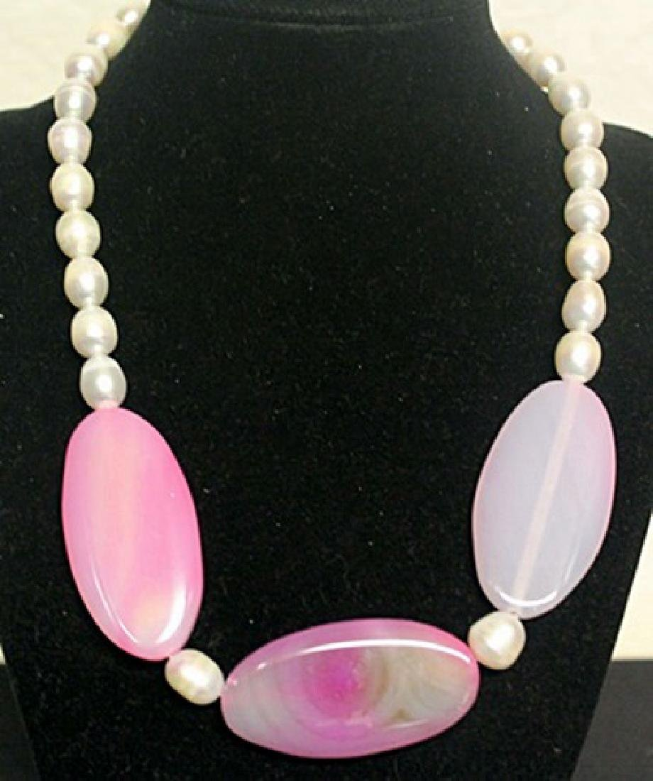 Beautiful Pearl & Jade Necklace (62ZF)