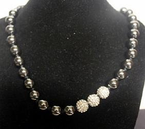 Beautiful Hematite & Silver Crystals Necklace (34ZF)