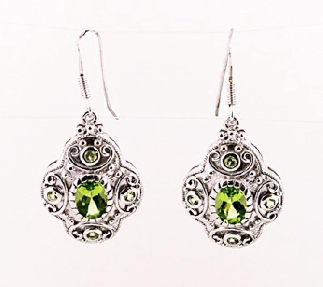 SILVER EARRING WITH PERIDOT