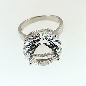 SILVER RING WITH WHITE QUARTZ