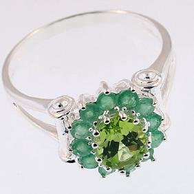 SILVER RING WITH PERIDOT & EMERALD