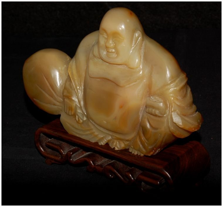 Chinese Agate Hotei carved Antique - 3