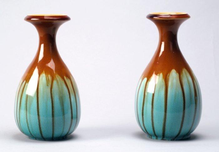 Pair of Arts & Crafts vases by Vodrey, Dublin