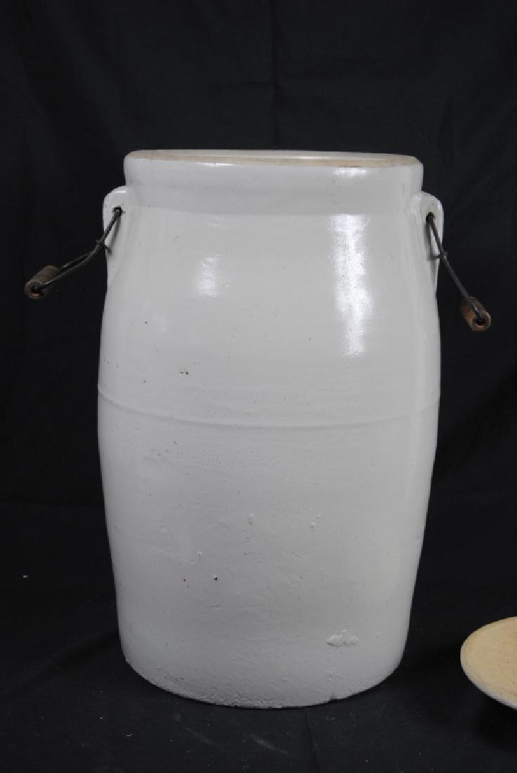 Robinson Ransbottom No. 6 Lidded Crock - 6