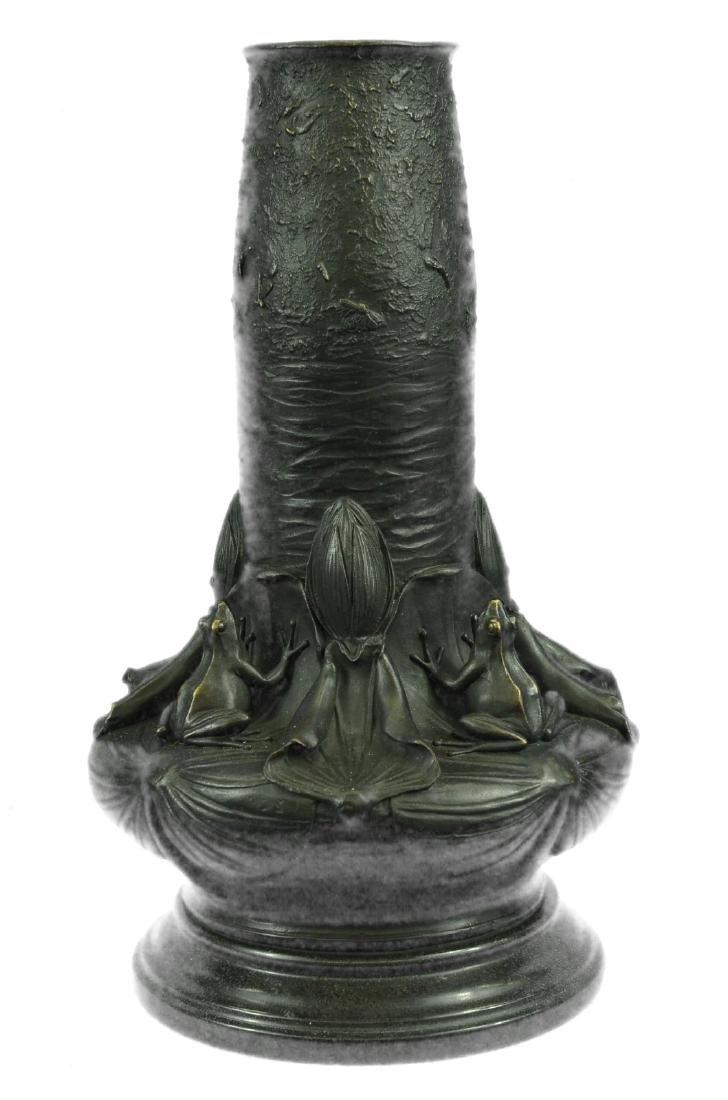 Handmade Old Handwork Bronze Frog Vase Figure