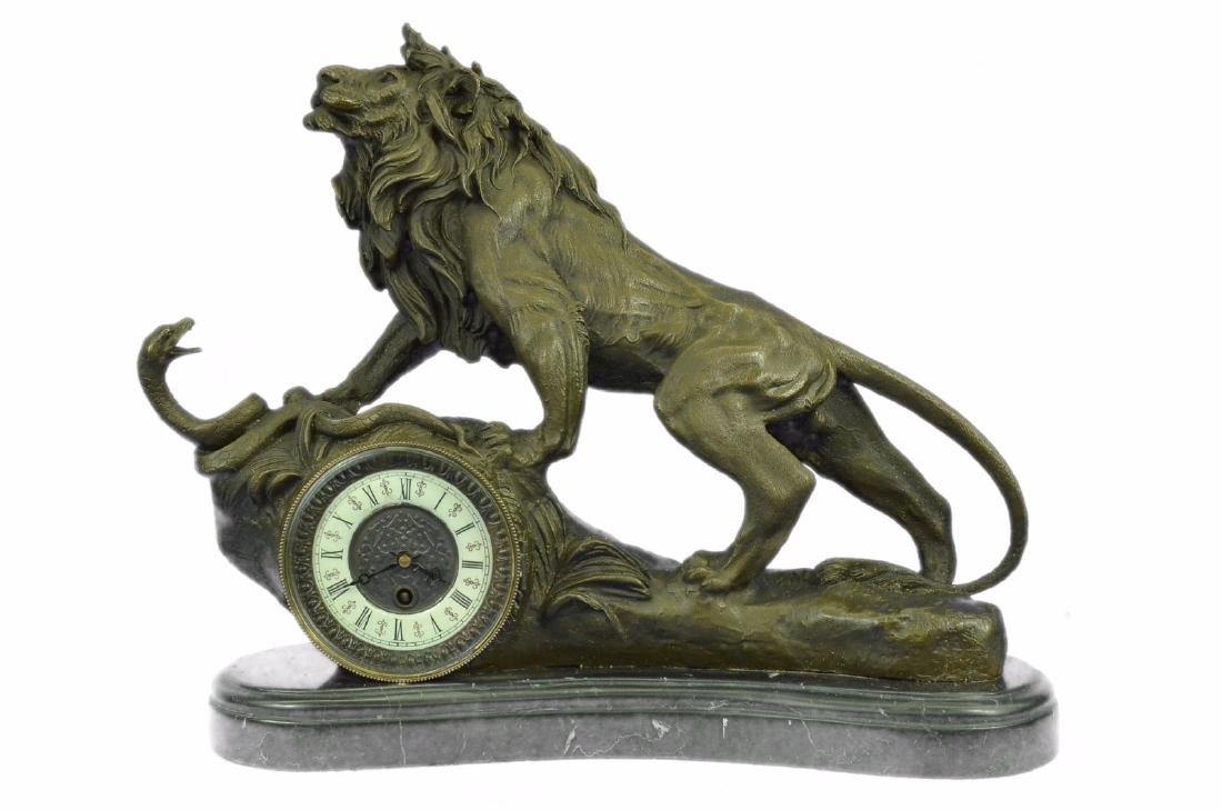 Museum Quality Classic Mantle Lion Clock Bronze