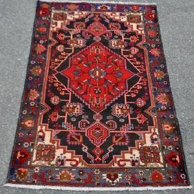 Finely Contrasted Beautiful Hand Woven Persian Hamedan