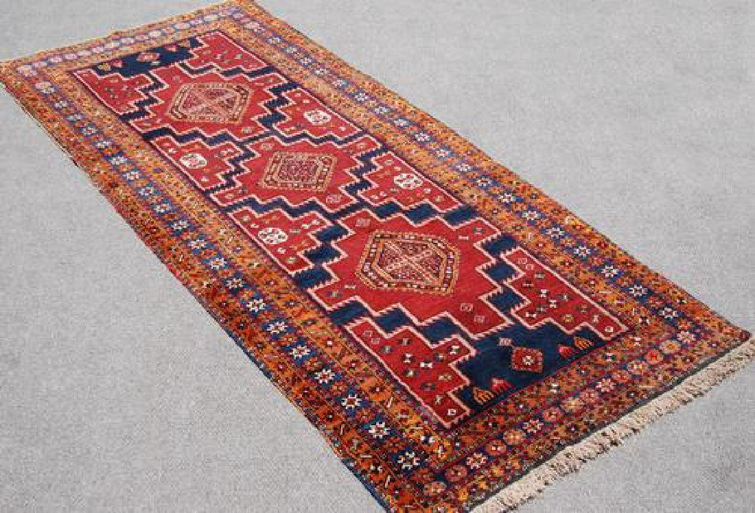 VISUALLY APPEALING HAND WOVEN PERSIAN MESHKIN RUNNER