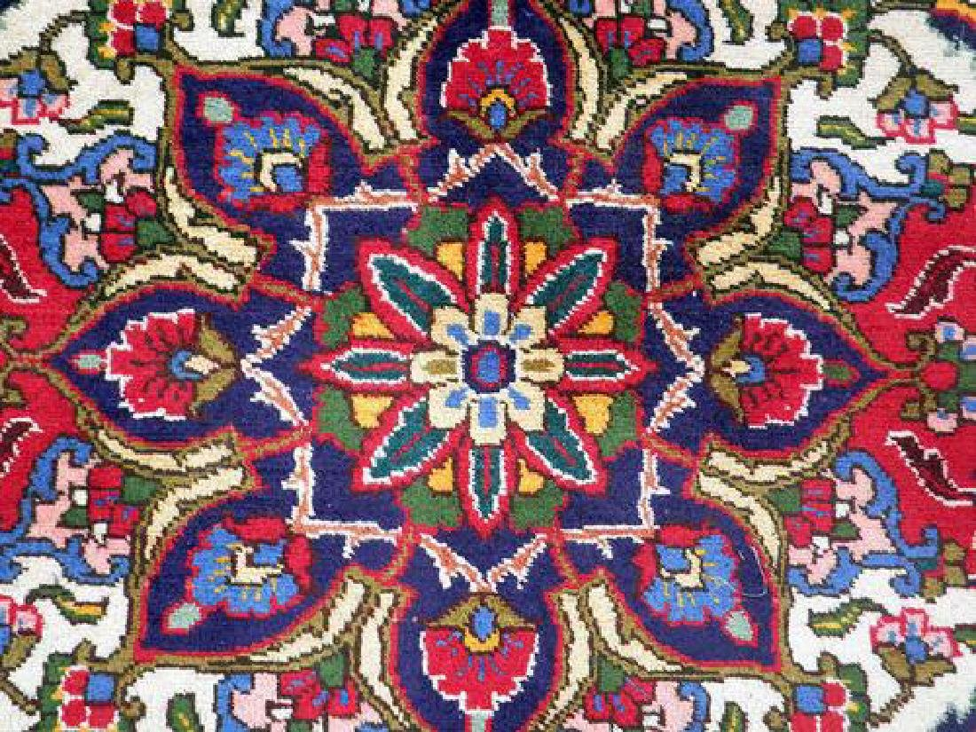 Delightful and Intricate Hand woven Persian Tabriz Rug - 4