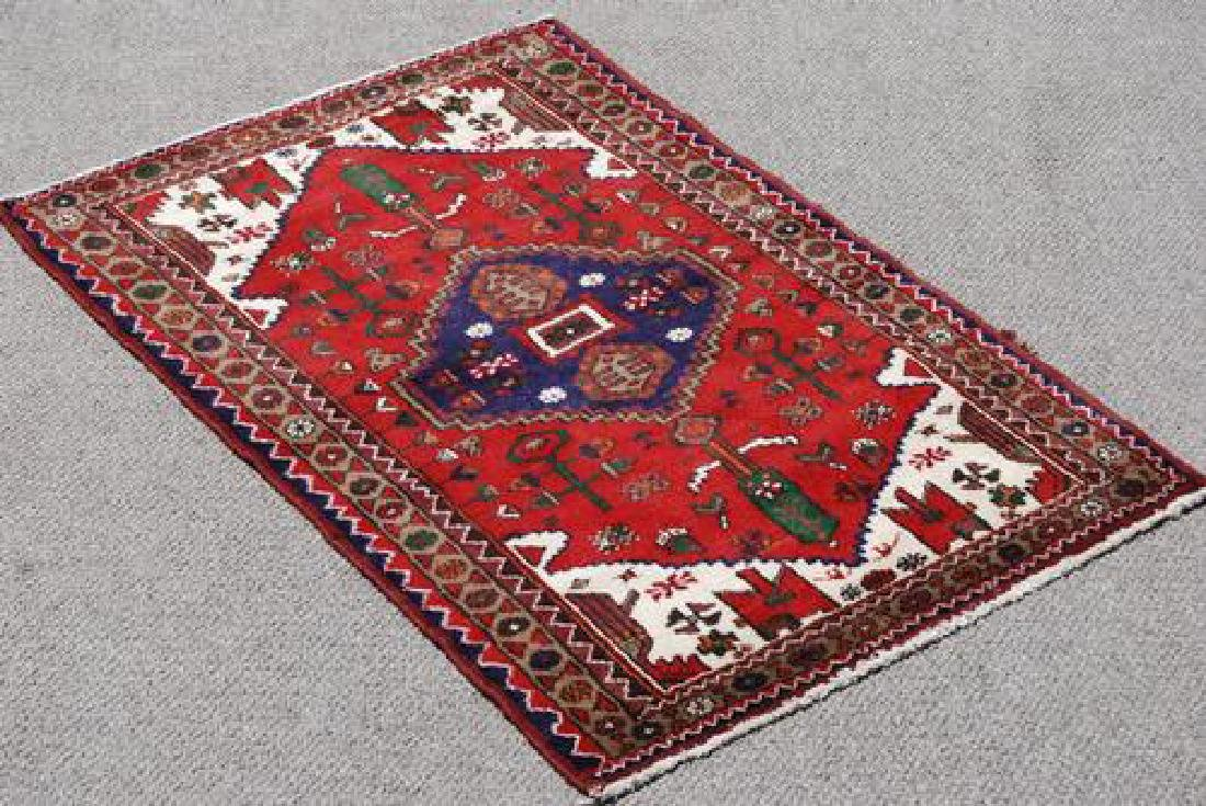 FINELY CONTRASTED HAND WOVEN PERSIAN HAMEDAN RUG
