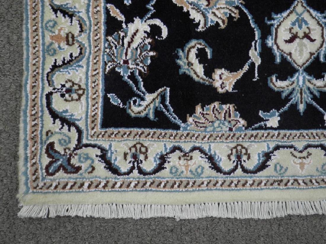 Handmade Wool/Silk Persian Nain 9x2.7 - 4