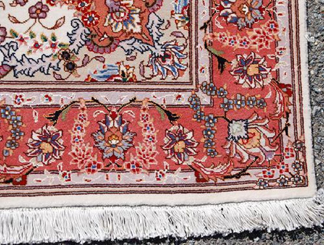 FASCINATING SILK HILIGHTED HAND WOVEN TABRIZ CREME RUG - 3