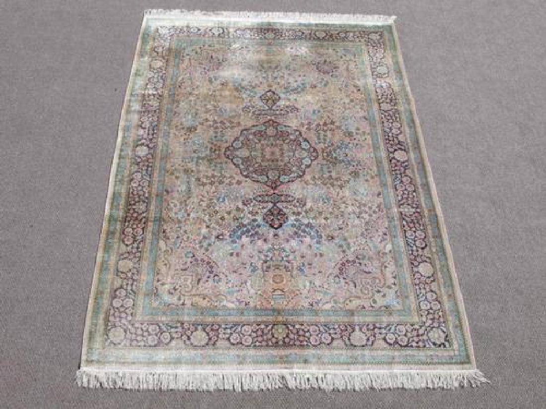 Gorgeous Nice Colors Semi Antique Floral Qum Design