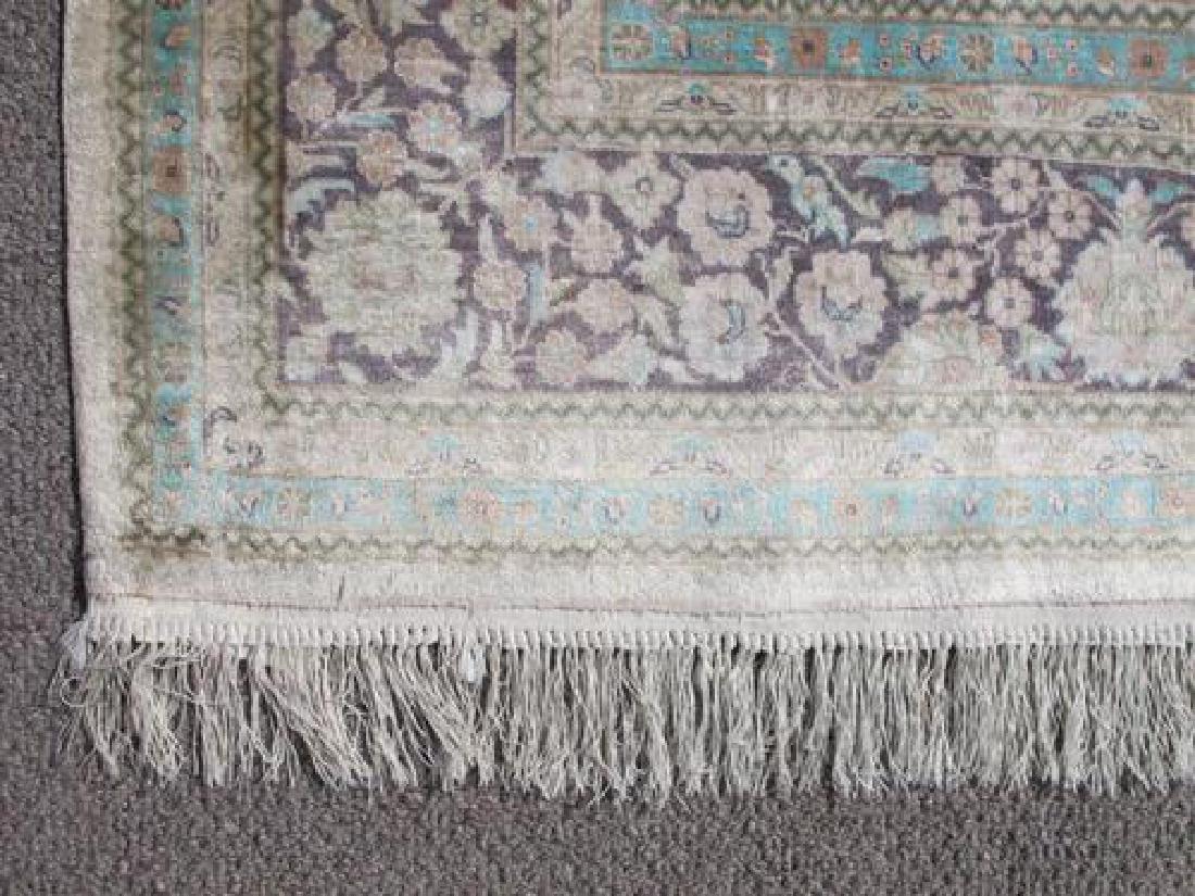 Gorgeous Nice Colors Semi Antique Floral Qum Design - 3