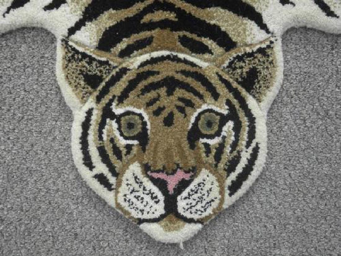 Modern Stylish Hand-Tufted Tiger Skin Shape Wool Rug - 3
