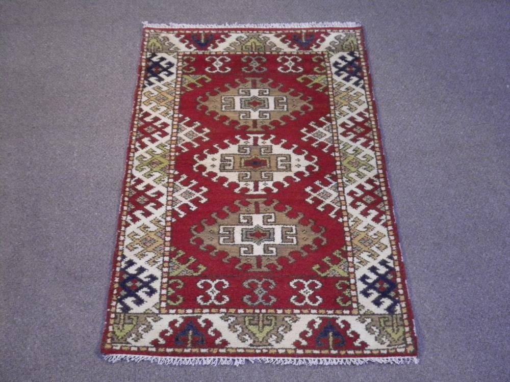Beautiful Handmade Kazak Design 3x5.1