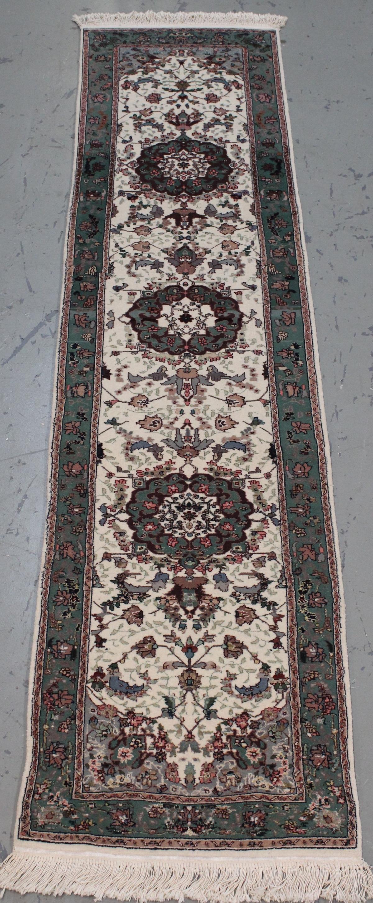 Handmade Wool/Silk Kashan Design Runner 2.3x10