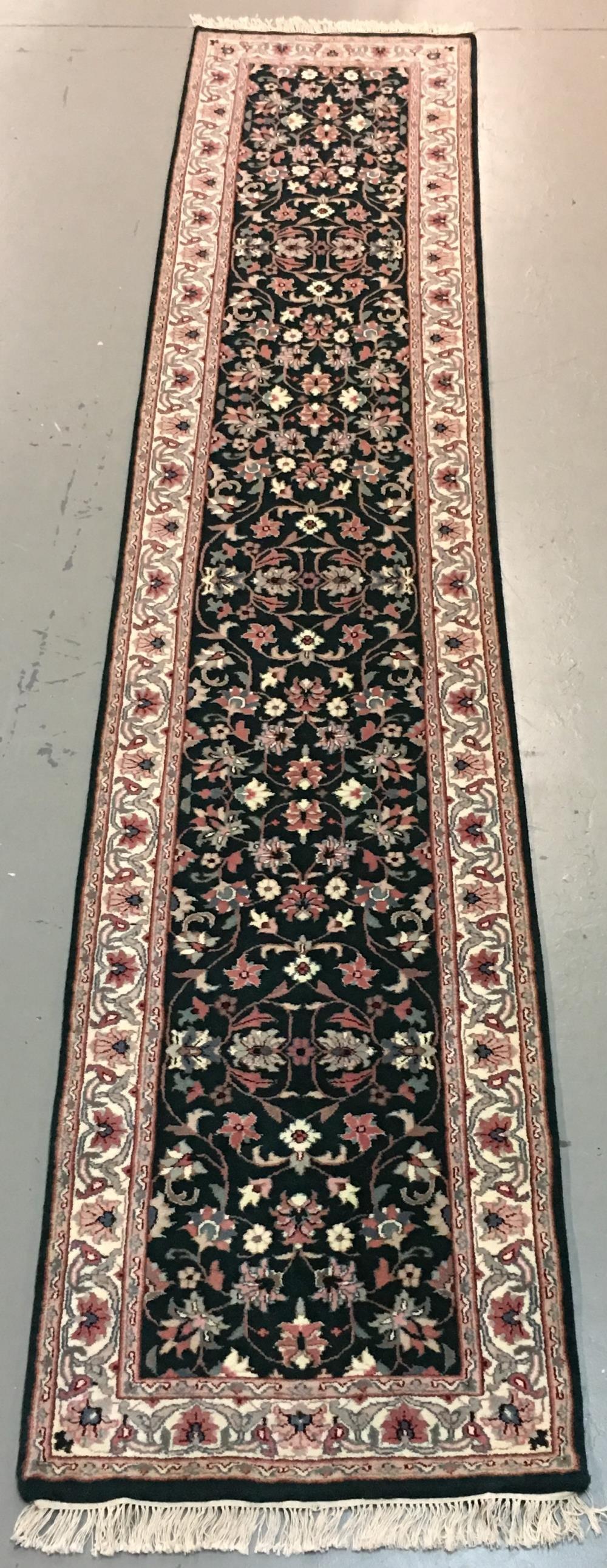 Handmade Indo Kashan 2.8x13.5