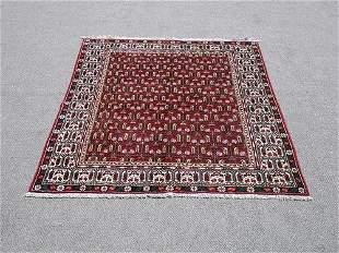 Fine Looking Allover Design Persian Hosseinabad Rug