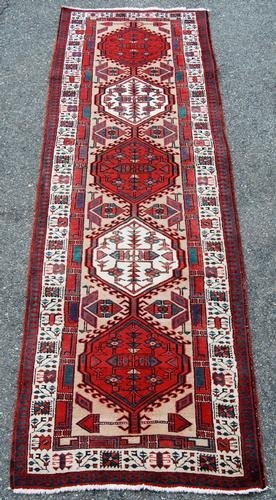 Finely Contrasted Hand Woven Persian Sarab Runner