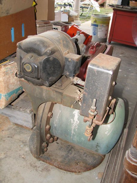 1021: STAND ALONE CENTURY AIR COMPRESSOR, SINGLE PHASE,