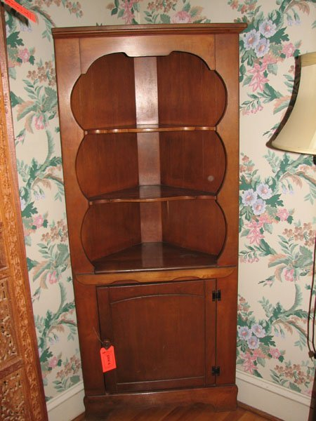 8006: ANTIQUE CORNER CABINET