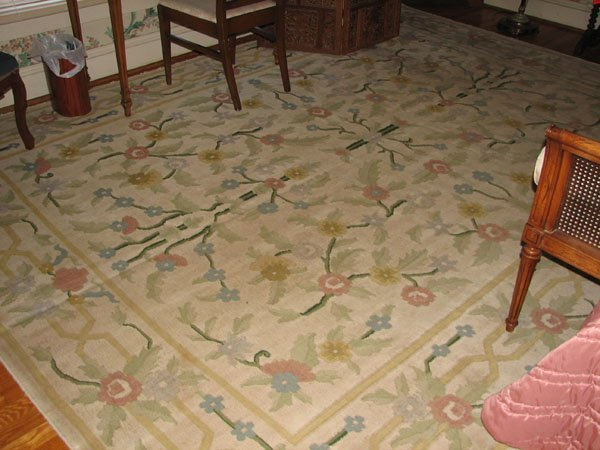 8017: AREA RUG APPROX, 9' X 11' FLORAL PRINT DESIGN, VE