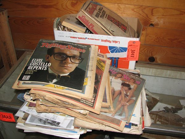 3017: MISC. LOT OF ROLLING STONES MAGAZINES AND OTHER S