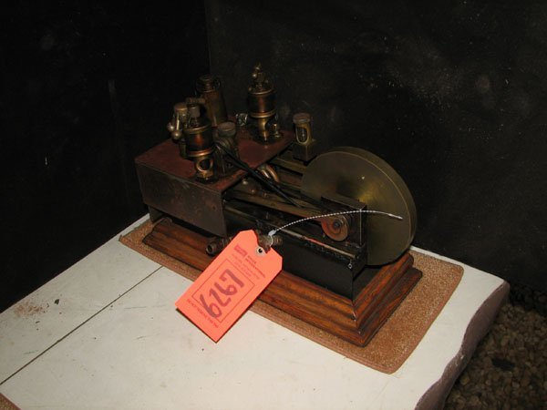 6267: SMALL SCALE MODEL OF STEAM ENGINE, DOUBLE CYLINDE