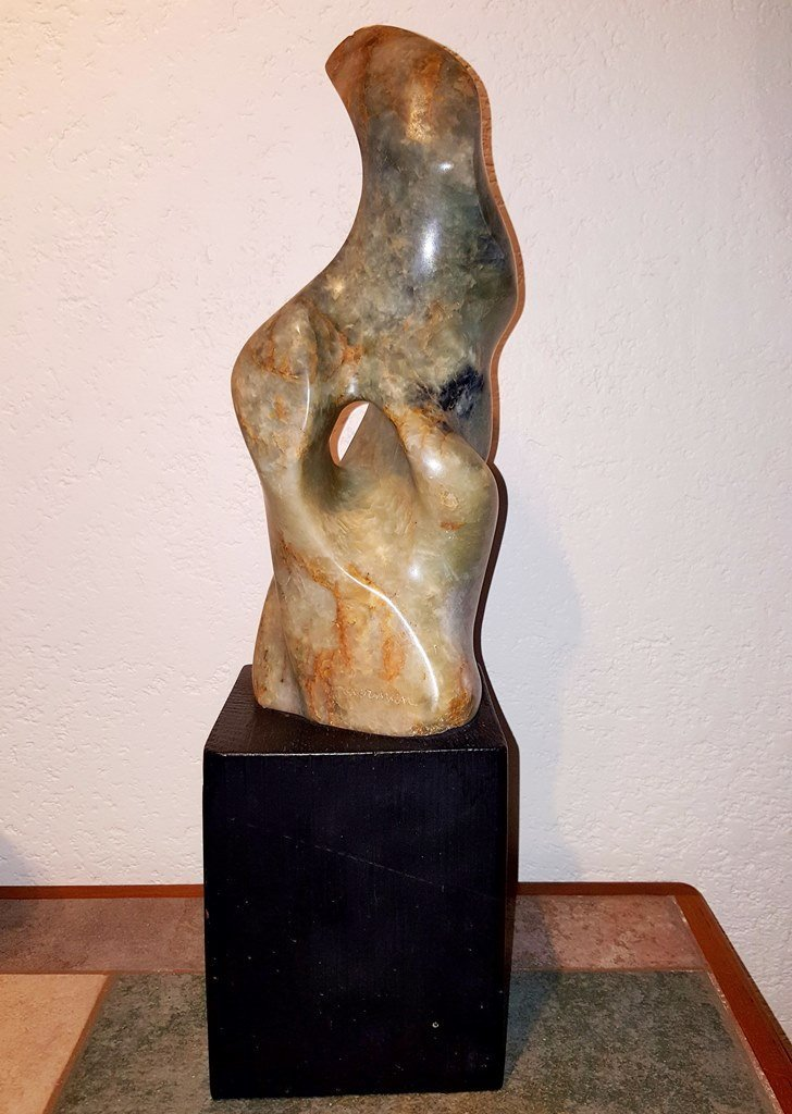 Leonardo Nierman (Green onyx sculpture) - 2
