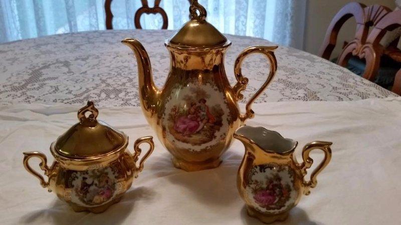 Kunst Palette Regnitzlosau 22k Gold Handpainted Tea Set - 2
