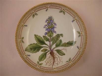 Flora Danica by Royal Copenhagen Salad Serving Bowl