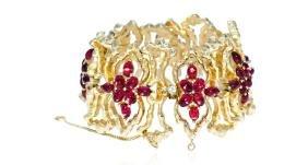 Jomaz Gilt Freeform Ruby Cabochon Link Bracelet