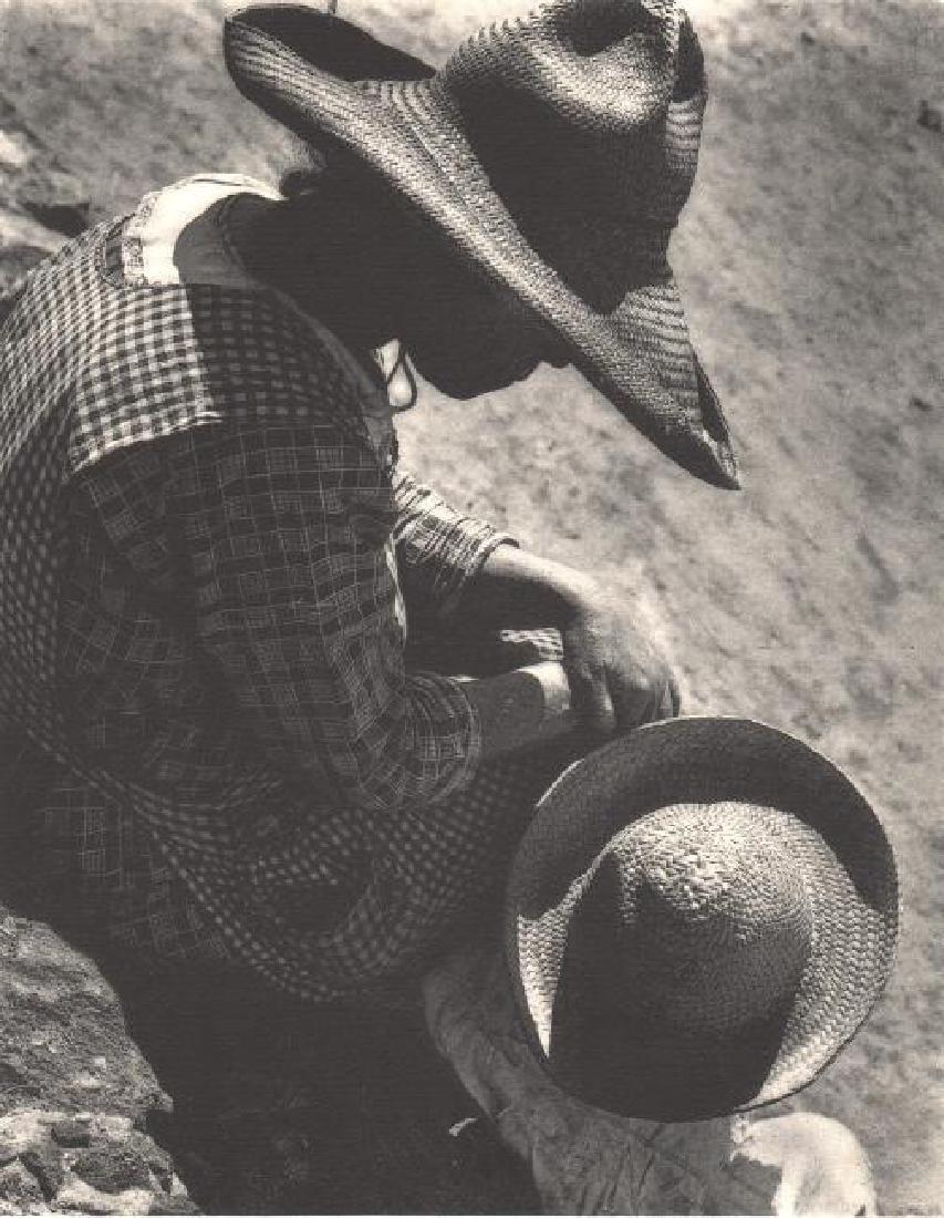 ANTON BRUEHL - Tomando el Sol, S J Teoithuacan