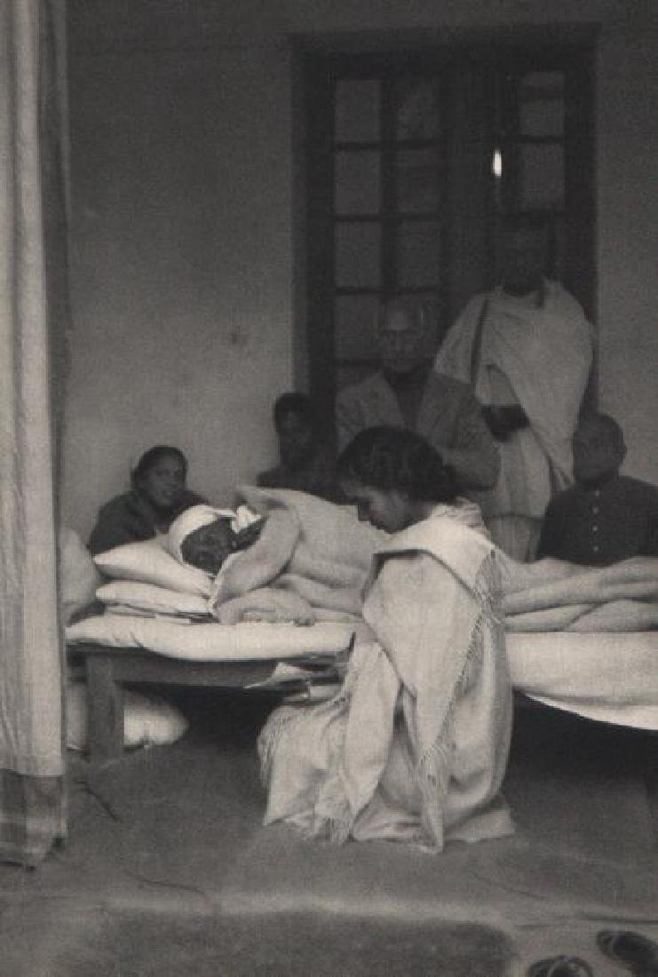 CARTIER-BRESSON - Last Fast of Ghandi - Delhi, 1948