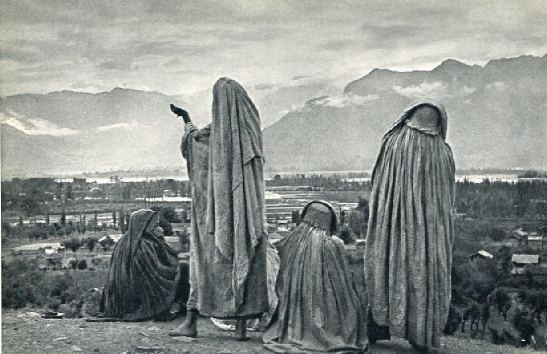 CARTIER-BRESSON: Srinagar Kashmir, 1948