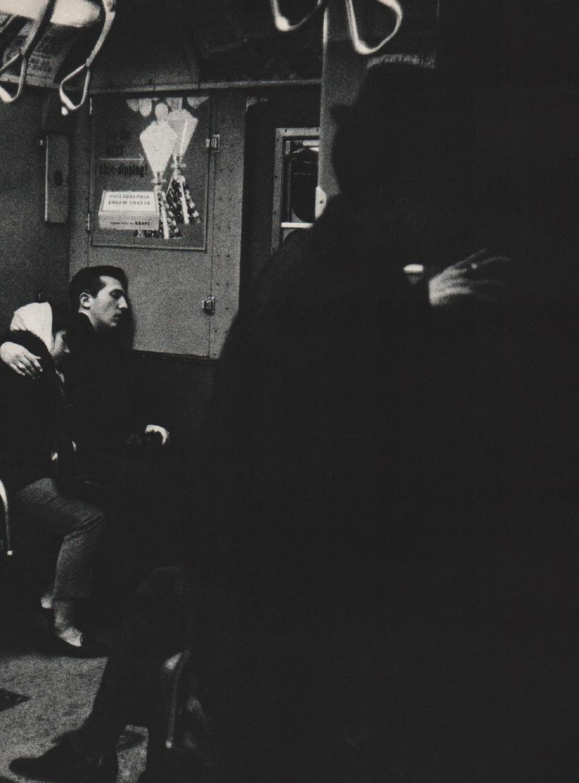 WINOGRAND: Love in the Subway III