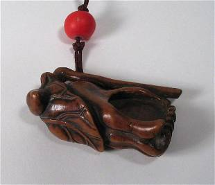 Chinese Qing Boxwood Buddha's Hand Toggle, 18th C