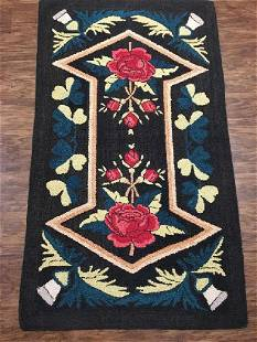 Antique American Hooked Rug 2.8 x 4.8