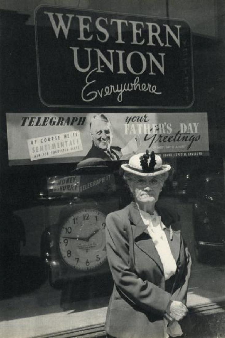 CARTIER-BRESSON - Father's Day, Iowa, 1947