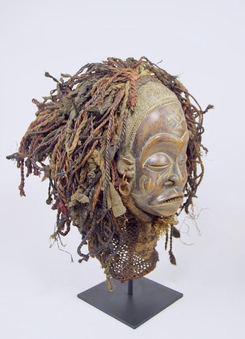 A Chokwe Pwo African mask - 3