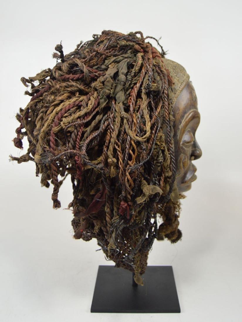 A Chokwe Pwo African mask - 4
