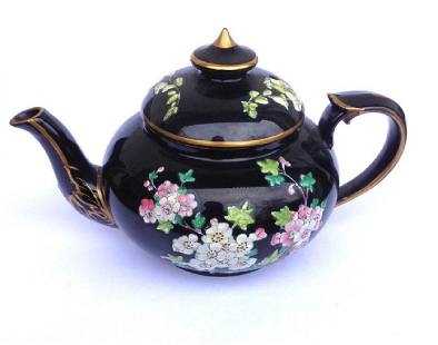 Victorian Jackfield Black Glazed/Enamelled Teapot