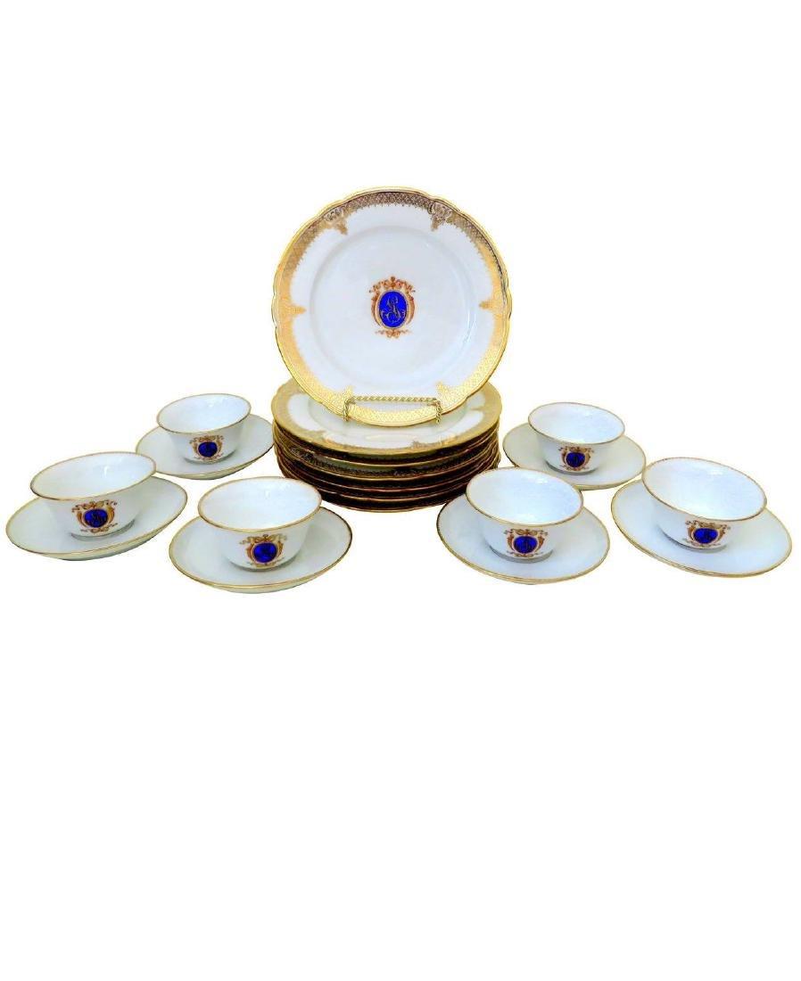 18 Pieces of Louis-Philippe Paris porcelain dinnerware