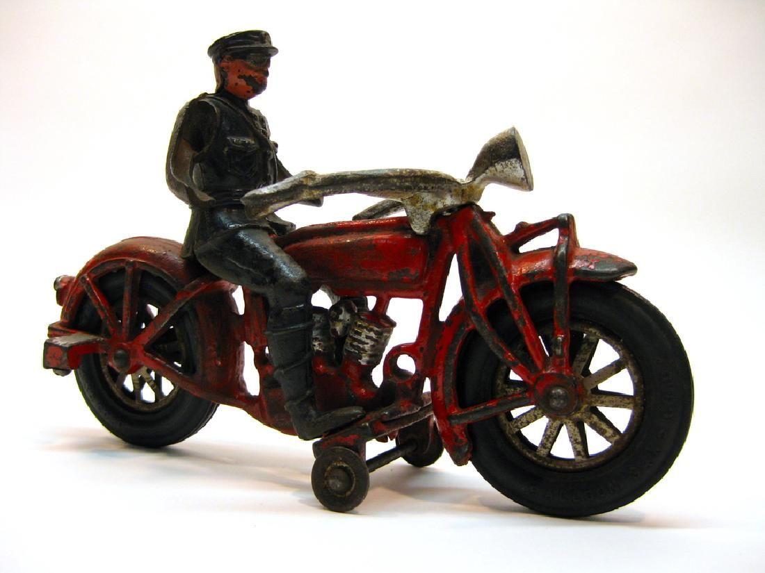 Globe Cast Iron Indian Motorcyle Toy, 1930s